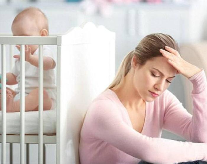 Suy giảm nội tiết tố nữ sau sinh – Nguyên nhân và cách khắc phục